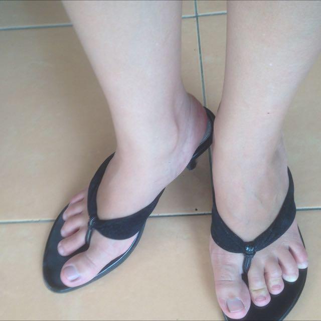 Sendal High Heels Hitam