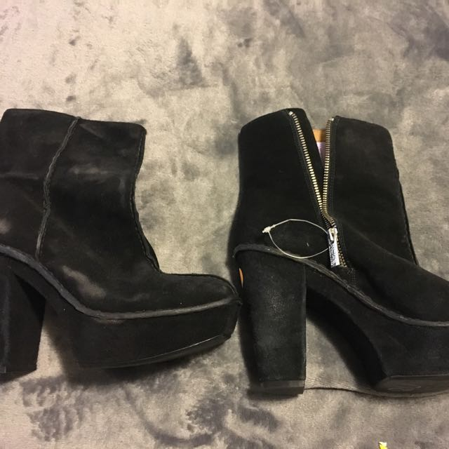 Size 8 Micheal Kors Booties