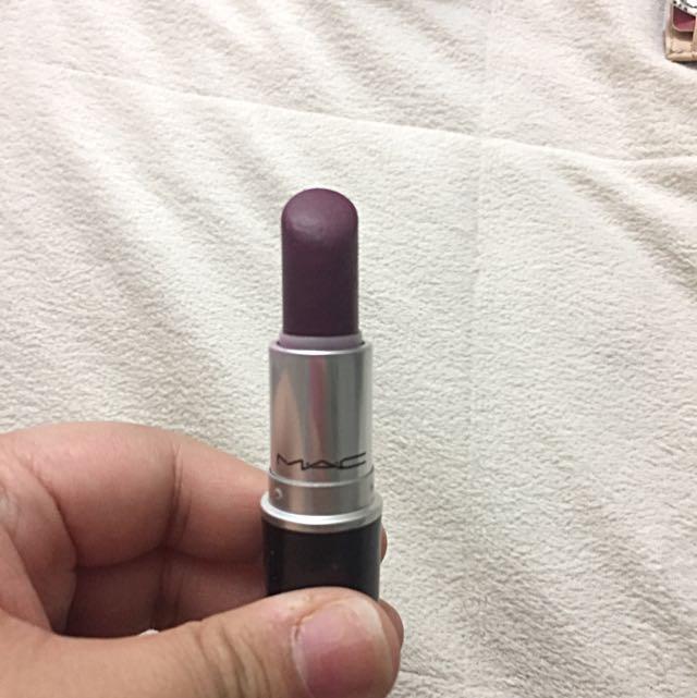 Used Mac lipstick In Rebel