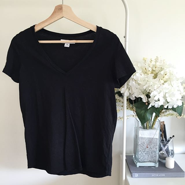REDUCED Vneck Tee