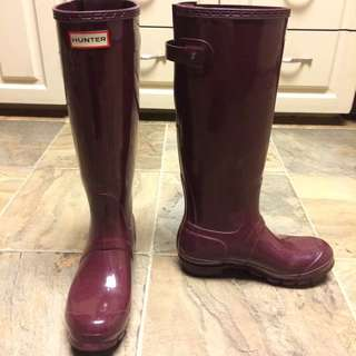 Tall Plum Hunter Boots Size 37 (7)