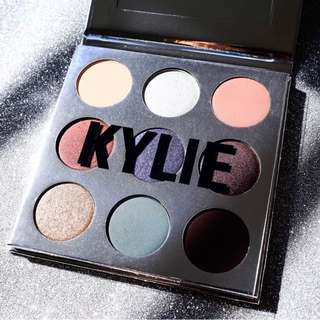 BNIB Kylie Cosmetics Holiday Palette Limited Edition