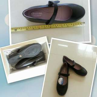 Brand new genuine leather girl's school strap shoes