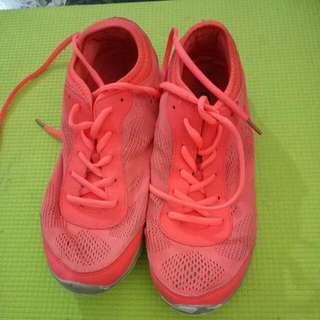 Bright Pink Casual Runners