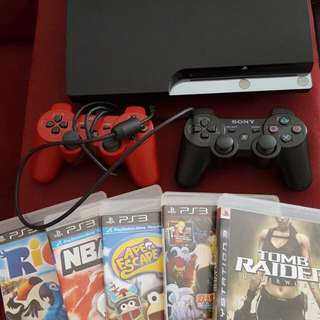 160GB PS3 + 2 CONTROLLERS + 11 GAMES