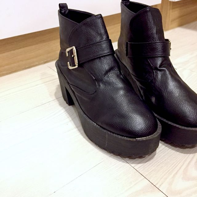 黑色厚底踝靴 #五百元好女鞋