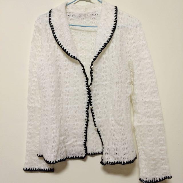全新_氣質感鏤空純白色滾邊毛衣外套
