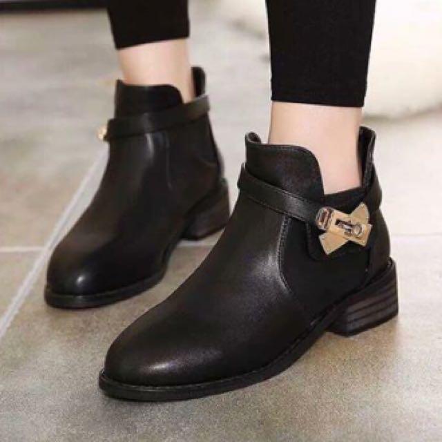 韓 裸靴 23.5