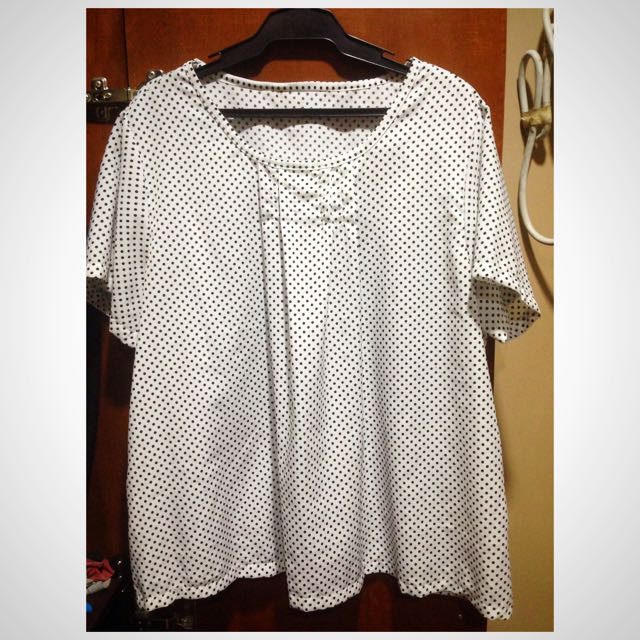 Black & White Polkadot Top Witg Pleats