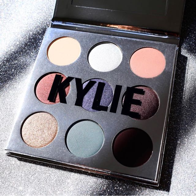 BNIB Kylie Cosmetics Holiday Palette Limited Edition