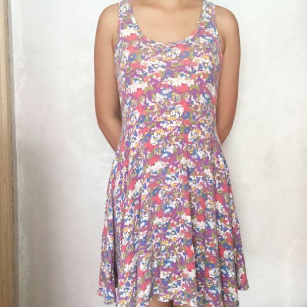 Forever 21 Sleeveless Floral Dress