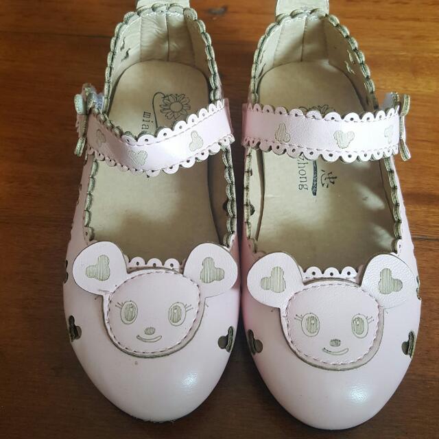 Girl beautiful Pink Shoe