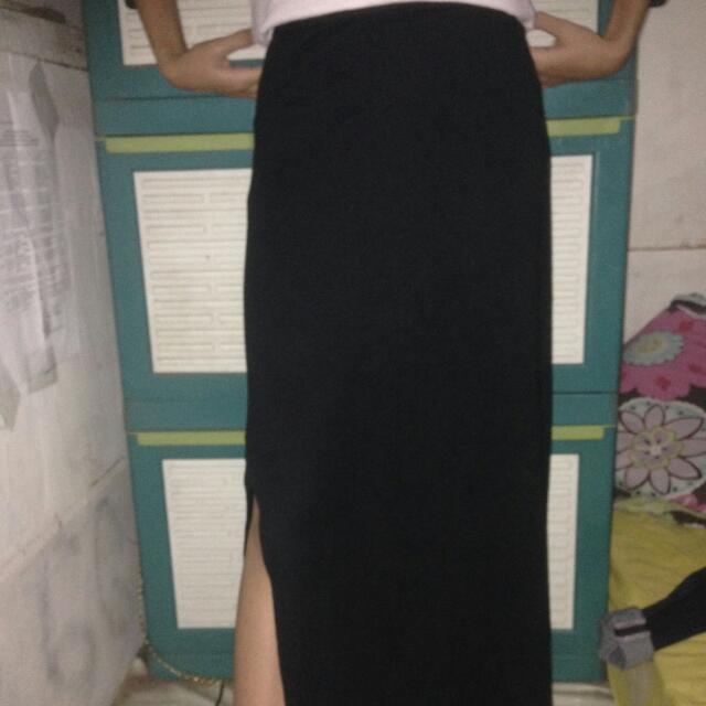 Long Skirt Belahan Green Light