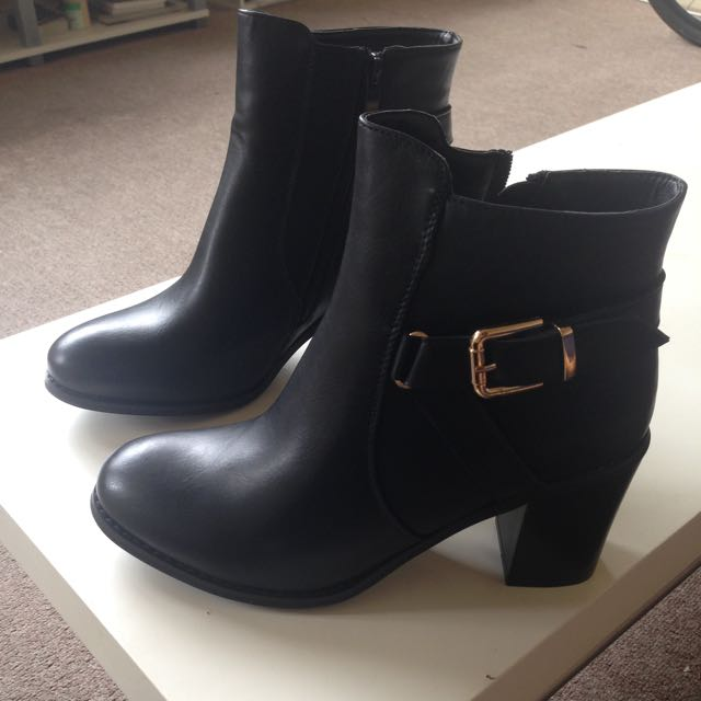 New Ankle Boots Size 9 (negotiable)