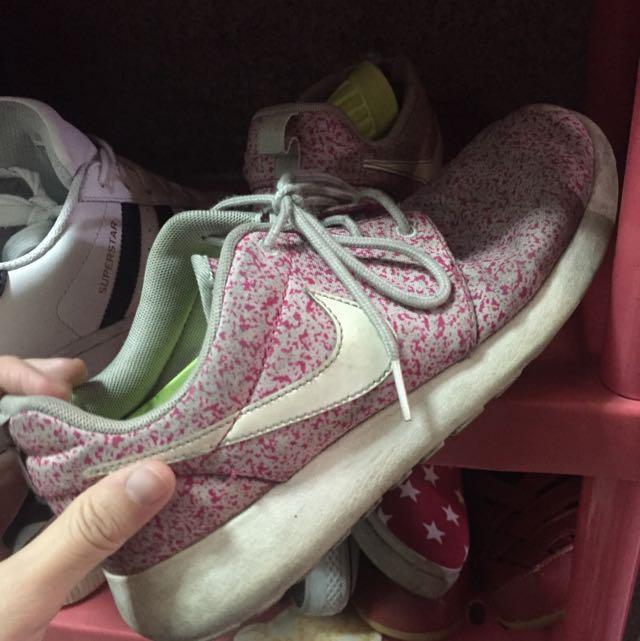 Nike Rush Run 24.5