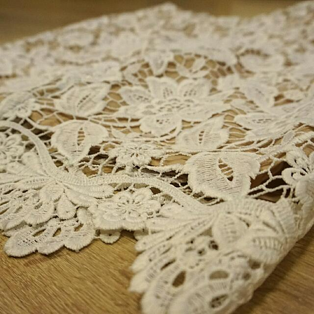 Rok Lace (Used 1x)