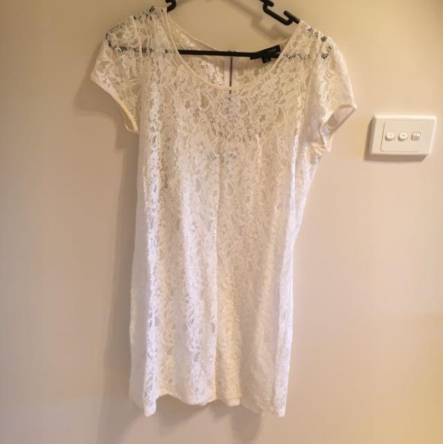 Saba Size 8 Lace Dress