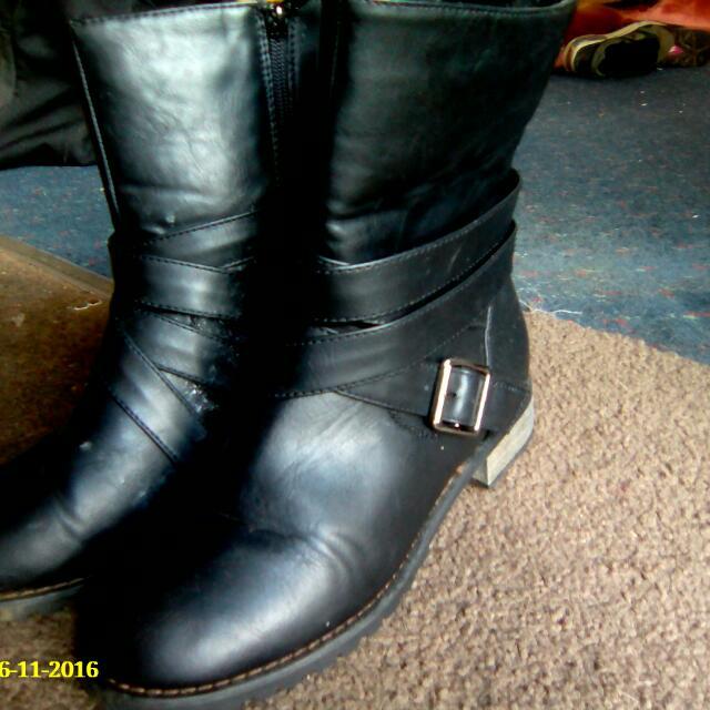 Size 7 Boots And Nova Heels