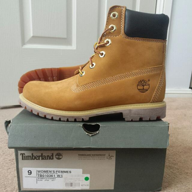 Size 9 TIMBERLAND ICONIC boots