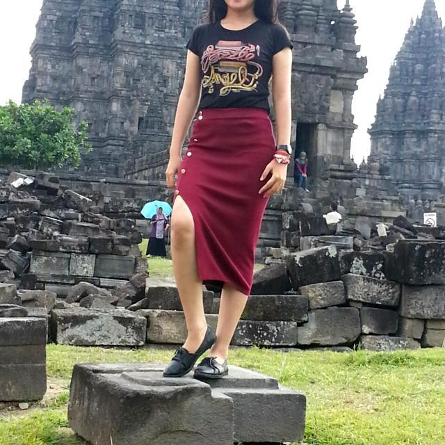 Skirt Slit Midi Maroon
