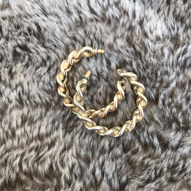 TOPSHOP Chain Hoop Earrings