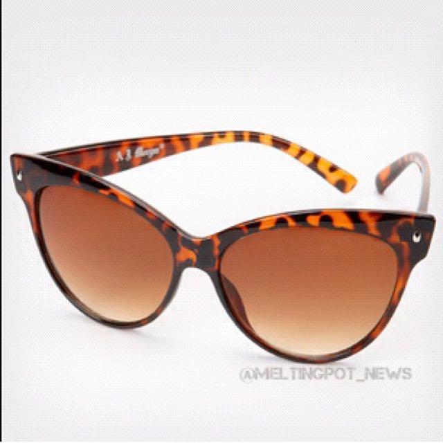 Tortoise Shell Style Sunglasses