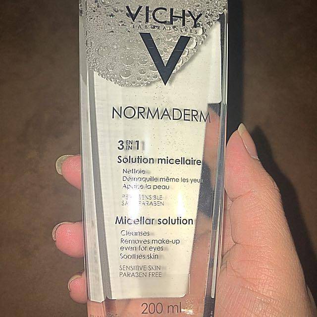 全新Vichy抗痘控油卸妝液