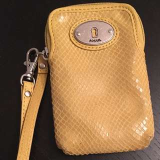 Fossil Phone Or Camera Pouch Or Wallet Has Slots For Credit Cards Inside