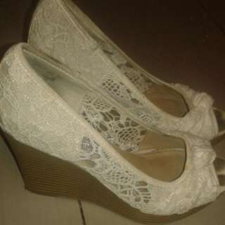 American Eagle White Lace Wedges