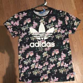 Adidas Originals Tee. Size 8.