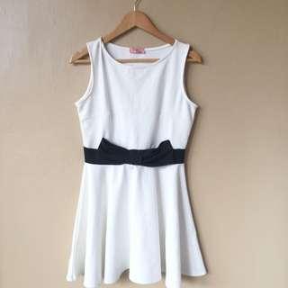 White Dress with a Black Boe