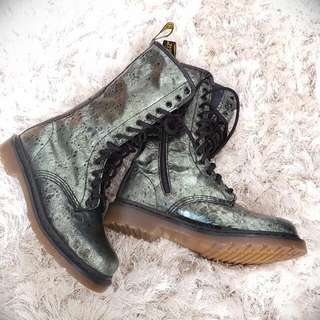 Dr Martens AirWair Green 14 Hole Ladies Boots  Sz8 (Price Negotiable)