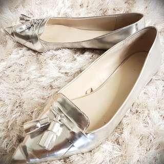 Zara Basic Silver Pointy Ladies Flats Sz 8.5 (40)