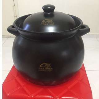 2 x Brand New DingPot Ceremic Claypot comes with box