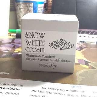 待匯 含運 Snow White 雪白霜