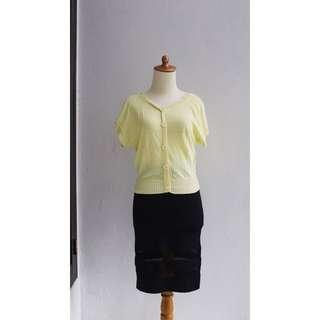 / Yellow sweater /