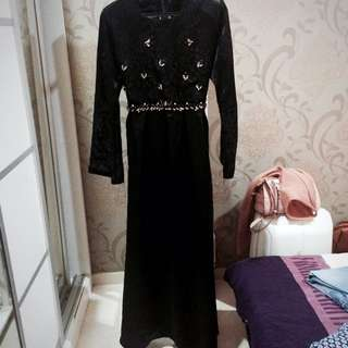 Black Lace Beads Dinner Dress / Jubah