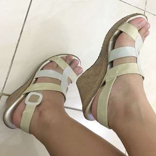 ORIGINAL Bata Comfit (Wedges)