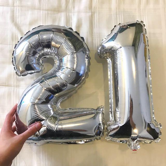 21 Silver Balloons!