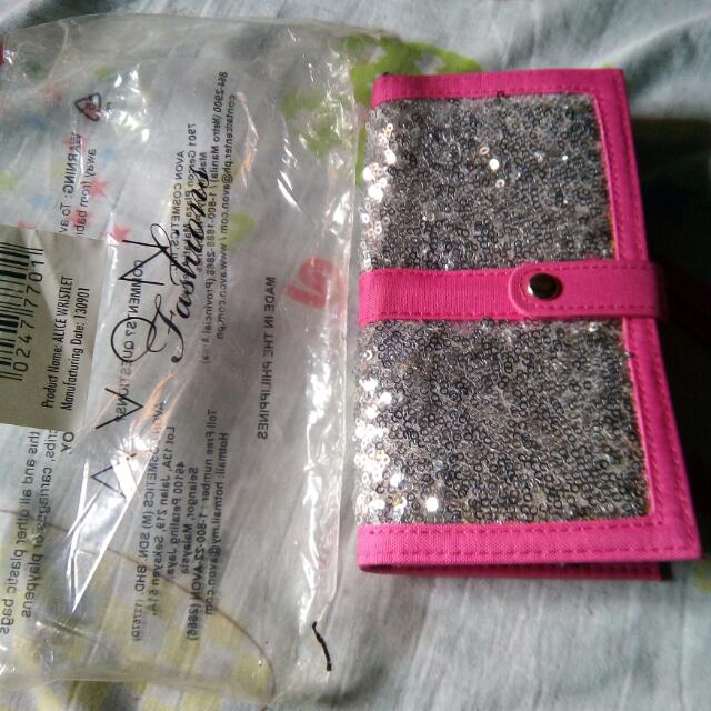 Avon Wallet Never Been Used!....