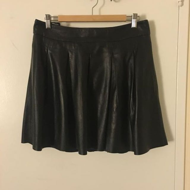 Banana Republic Leather Pleated Skirt (w Pockets)