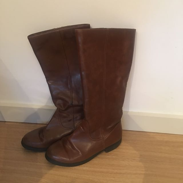 Boots- Size 6, Comfy
