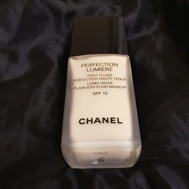 Chanel Long wear foundation (VERY VERY NEW Condition)