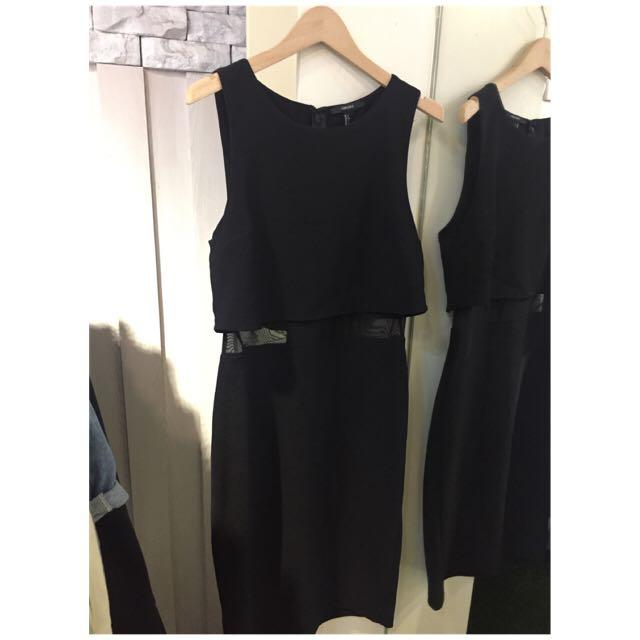 降價❗️✨Forever21腰簍空貼身黑洋裝