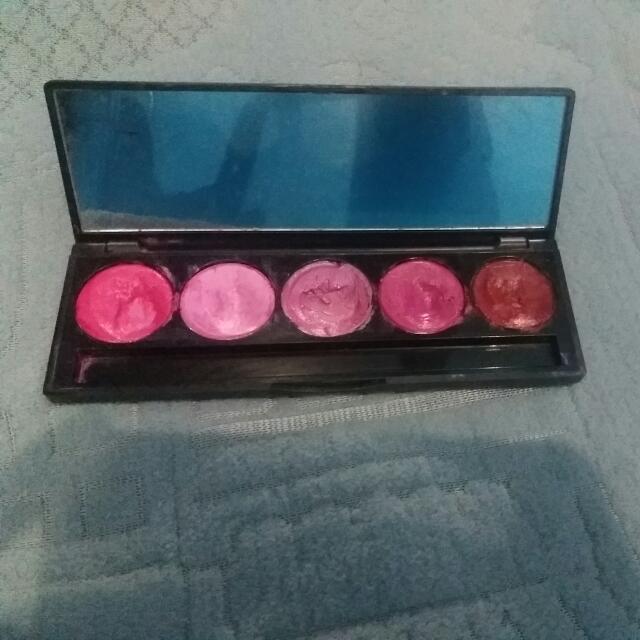 Lip colour 01  merk  LT PRo