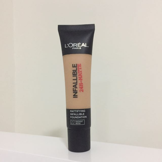 L'oréal Infallible Matte Foundation (Shade 22)