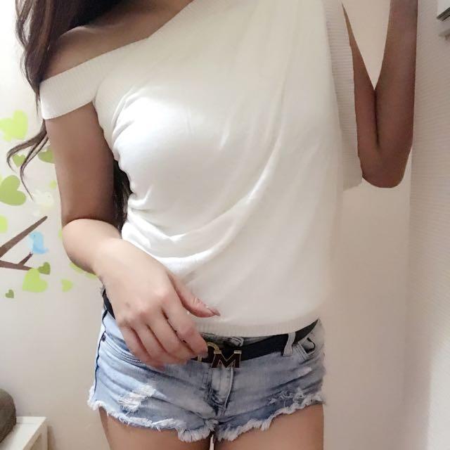 「二手•正品」新加坡知名品牌mjphosis白色造型針織背心