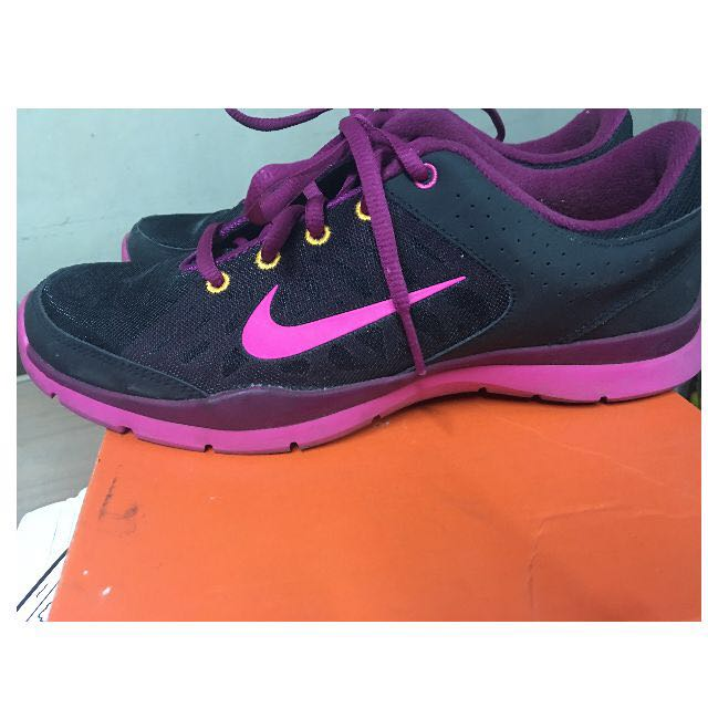 NIKE Women Training FLEX Rubber Shoes Size 7.5