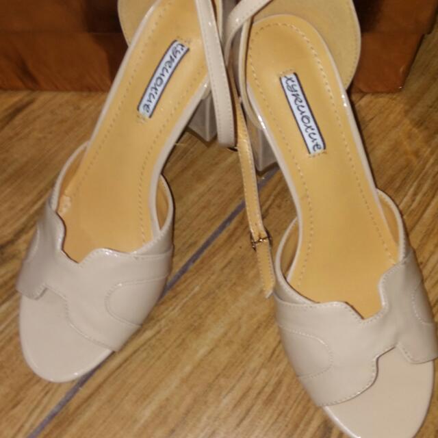 Sale!!! Nude Sexy Heels