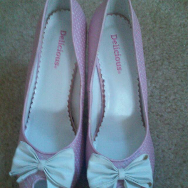 PINK with WHITR .. POLKA DOT SIZE 9 HIGH HEELS